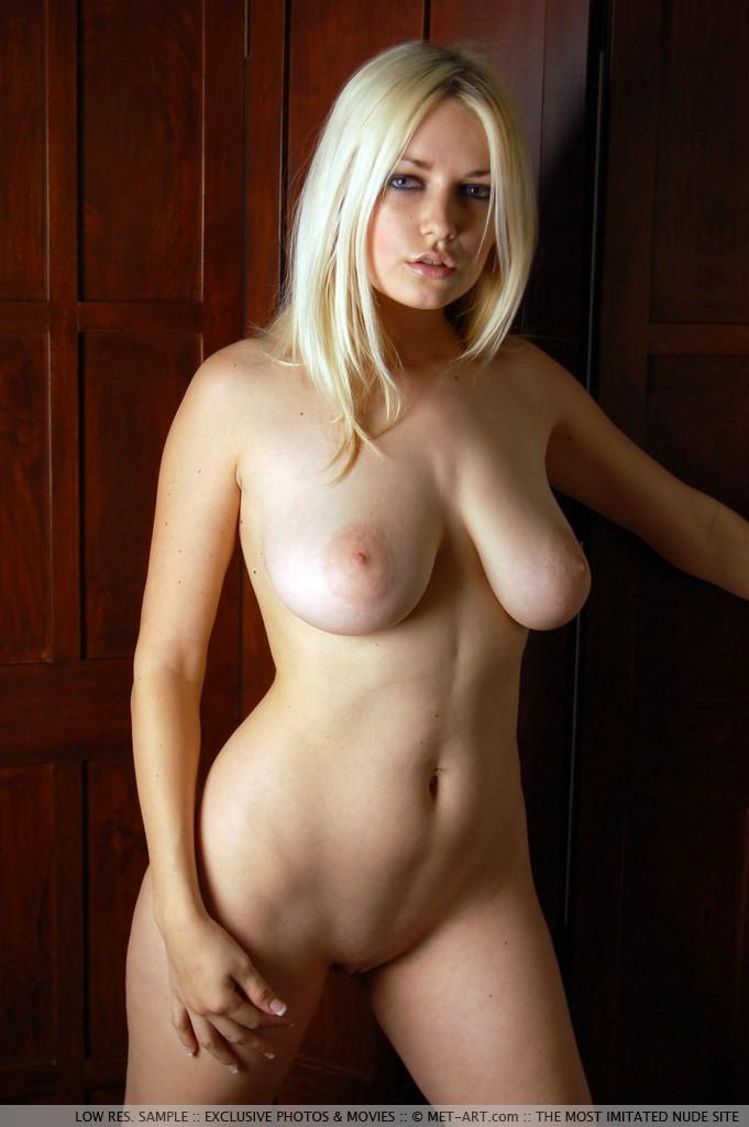 Danielle Trixie Nude Pics