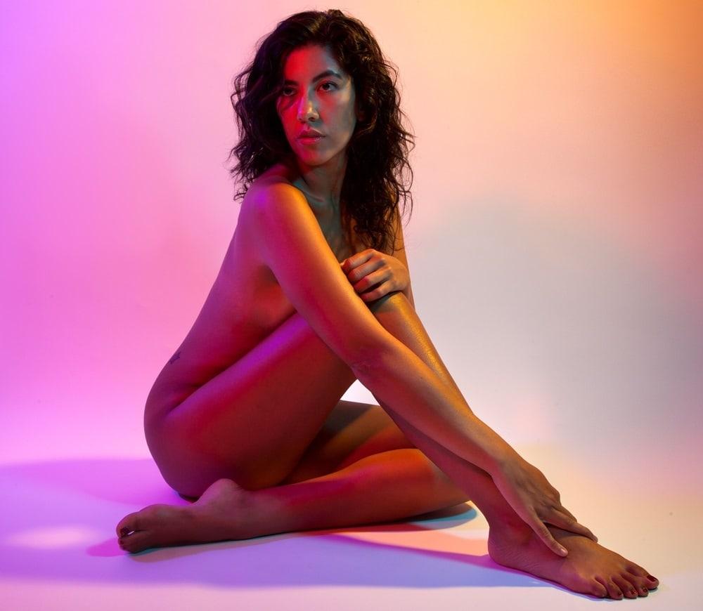 beatriz-nude-black-shemale-cum-tube
