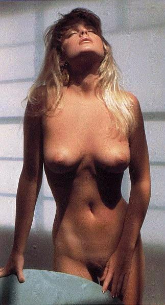 Erika Eleniak - pussy and nipples