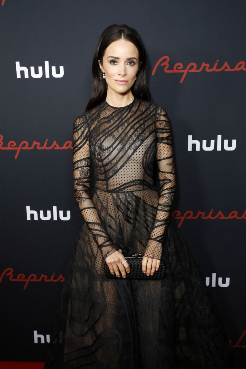 Abigail Spencer Nude - 14 Pictures: Rating 8.39/10