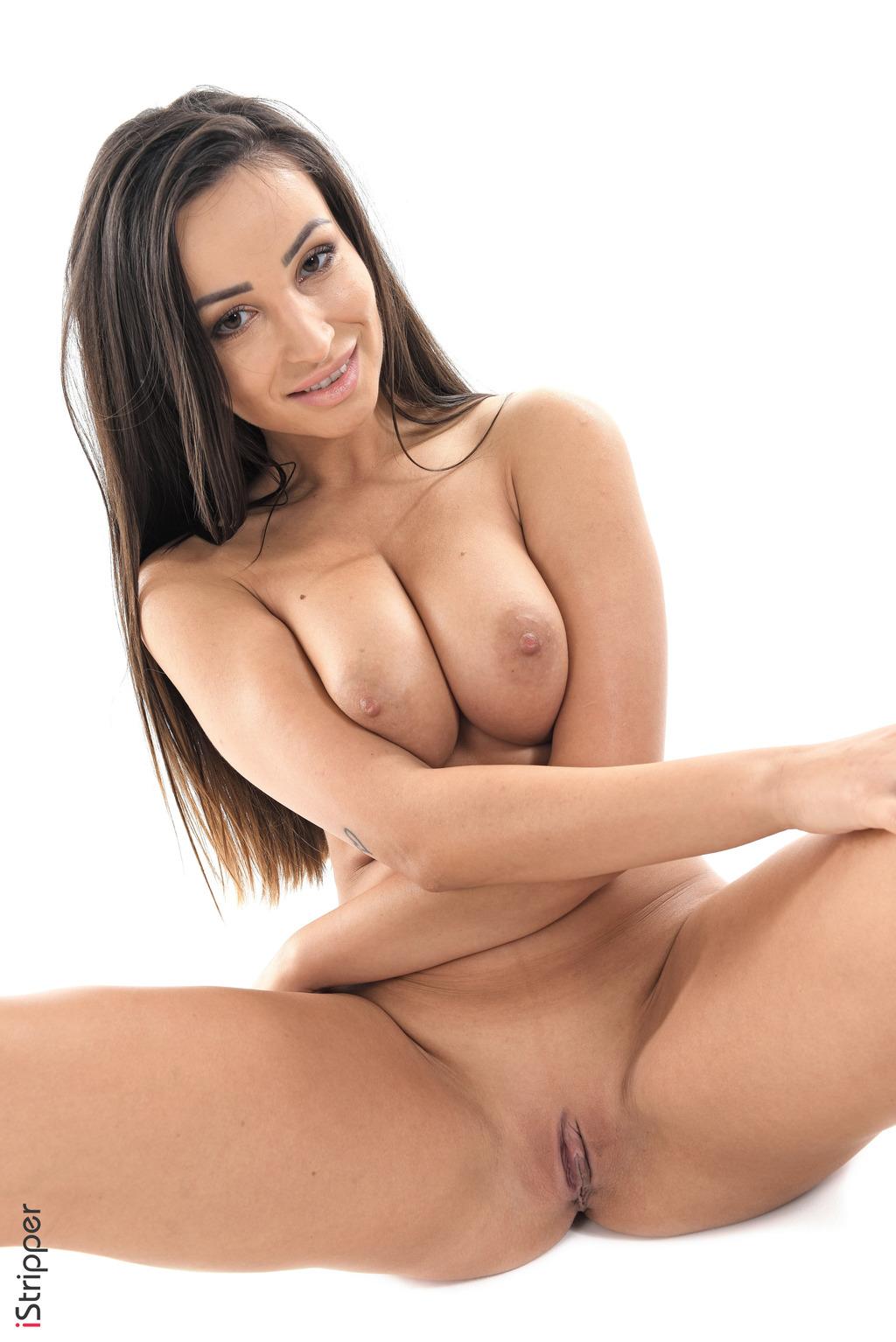 Alyssia Kent  nackt