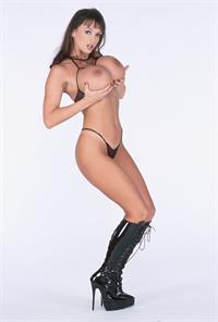 Summer Cummings - breasts