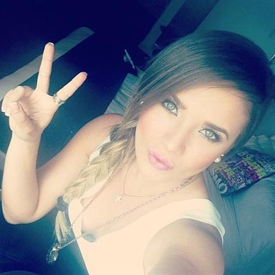 Kimberly Dosramos taking a selfie