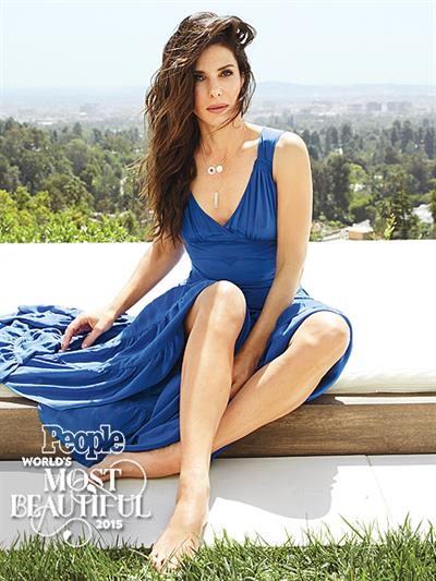 People Magazine's Mode Beautiful Woman 2015