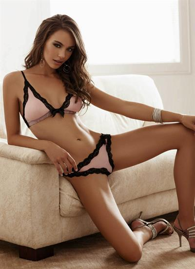 Nicole Meyer in lingerie
