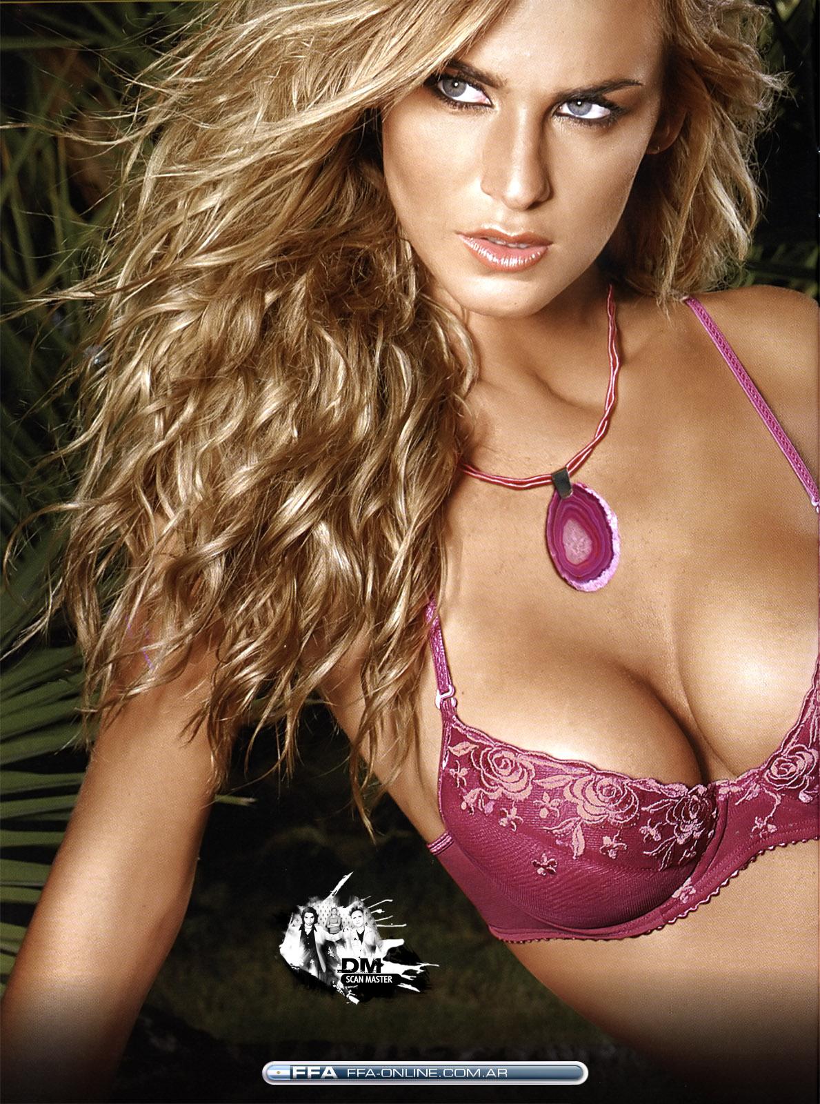 Sabrina Rojas in lingerie