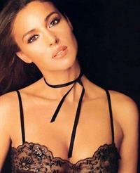 Monica Bellucci in lingerie