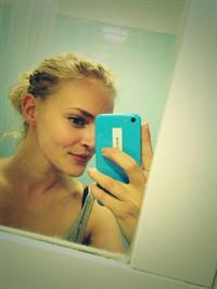 Madeline Brewer taking a selfie