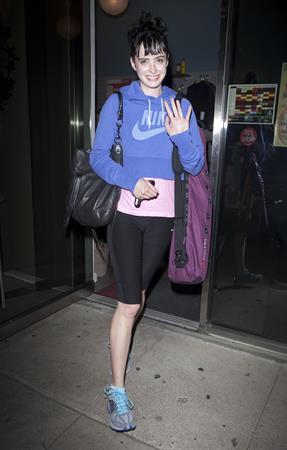 Krysten Ritter - Wearing spandex leaving Moshka Yoga LA in Los Angeles (May 29, 2012)