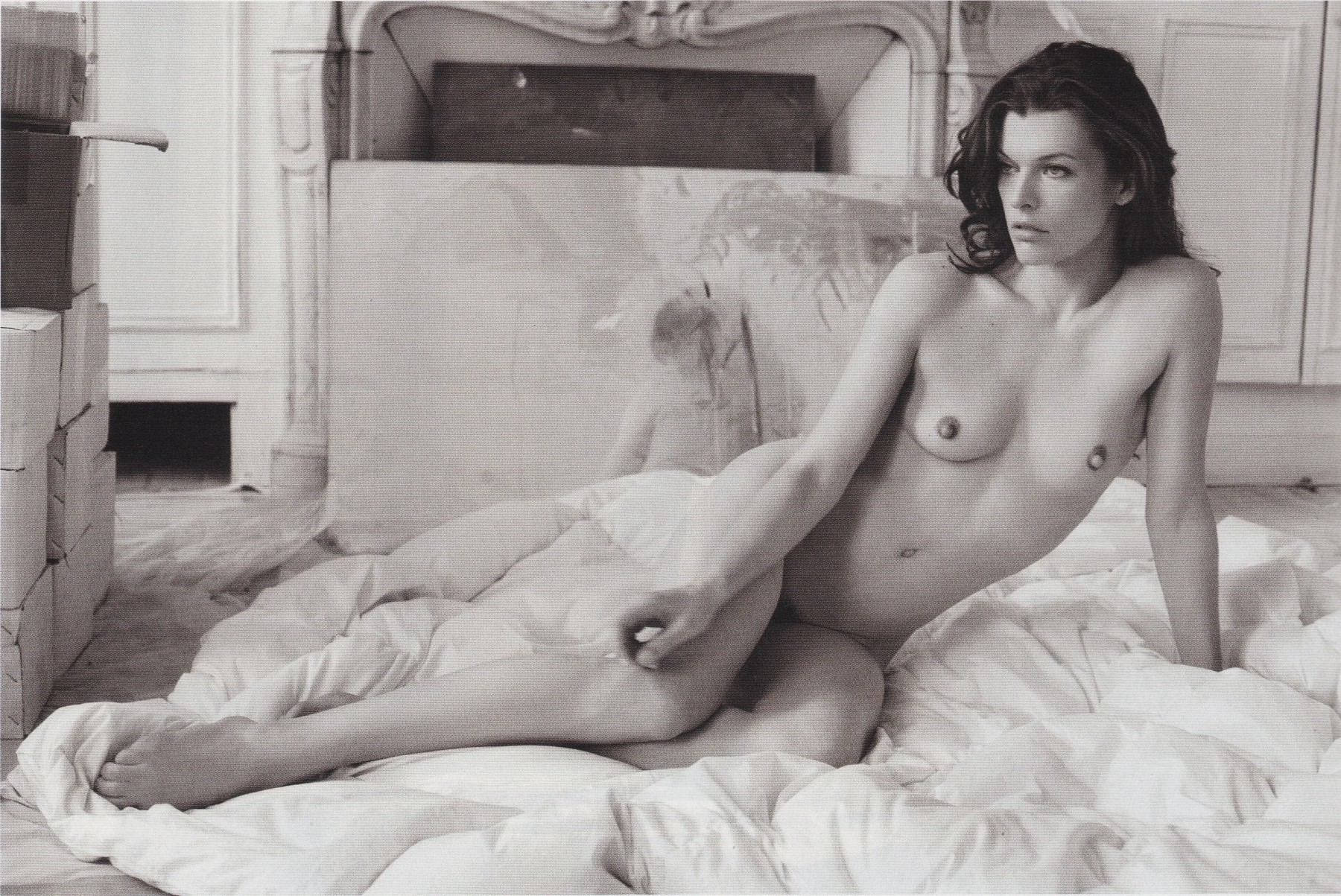 Milla Jovovich - breasts