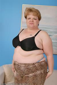 Sara in lingerie