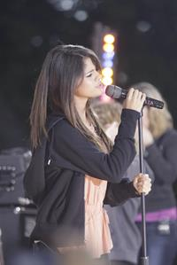 Selena Gomez performs at the Good Morning America GMA Summer Concert Series in New York City on June 17, 2011