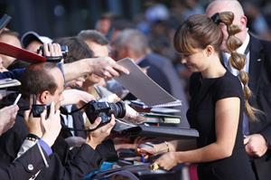 Olivia Wilde berlin premiere of cowboys and aliens august 8 2011